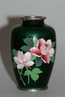 STUNNING JAPANESE CLOISONNÉ VASE w. ROSE FLOWER DÉCOR c. 1920