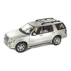 2006 Ford Explorer (Eddie Bauer) 1/18 Silver Toys & Games