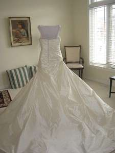 2010 BNWT Anjolique 2105 Ivory SILK One Shoulder Wedding Dress Bridal