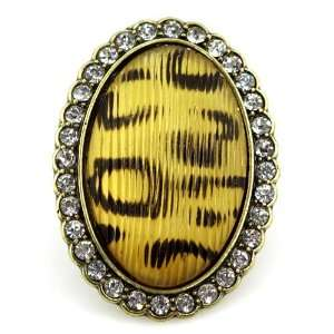 Fashion Leopard Print Ring; 2H; Leopard print center stone with clear