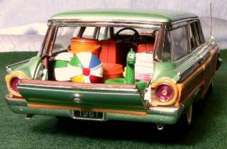 Franklin Mint 1961 Ford Country Squire Station Wagon 124   Mint in