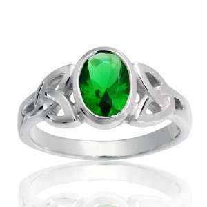 Celtic Triquetra Emerald Green Color Glass Ring   Size 9 Jewelry