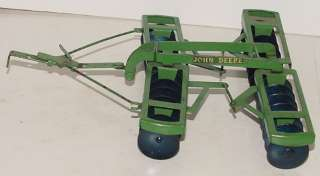 VINTAGE JOHN DEERE FARM DISC PLOW TOY ESKA TRU SCALE NICE ONE !