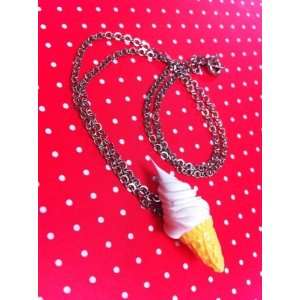 Ice cream necklace freshly squeezed white/Adorable fake dessert and