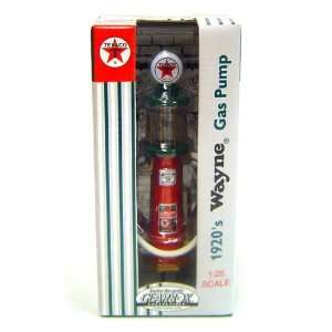 Wayne Texaco Visible Gas Pump Sky Chief Red and Green