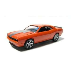 Garage  2008 Dodge Challenger SRT8 1/64 Scale   Series 9 Toys & Games