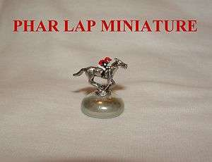 LAP MINIATURE FIGURINE HAND PAINTED HORSE RACING JOCKEY SILKS
