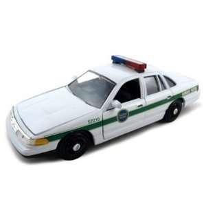 Ford Crown Victoria Border Patrol Car 1/24 Diecast Model