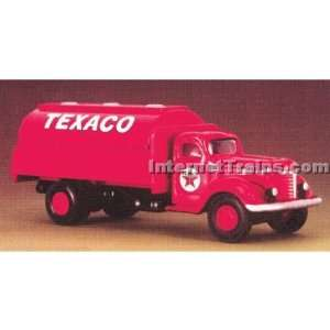 : IMEX HO Scale International KB 8 Tank Truck   Texaco: Toys & Games