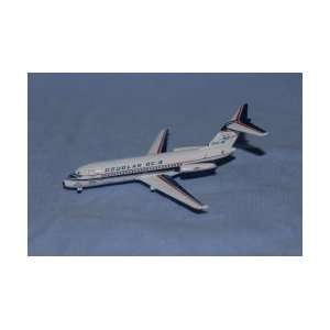Jet X Douglas DC 9 House Color N9DC Model Plane: Toys & Games