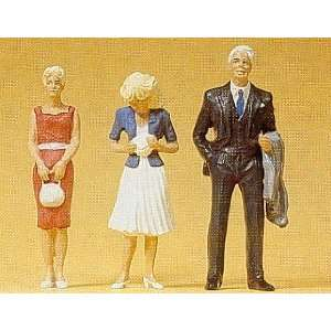 PASSERS BY   PREISER G SCALE MODEL TRAIN FIGURES 45032
